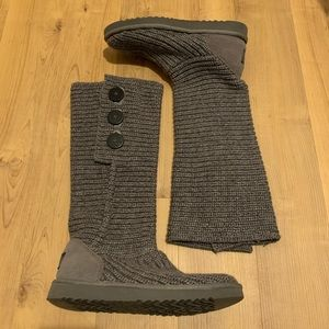 Never worn Classic Cardy UGG Boots